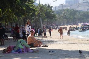 Pattaya beaches go chairless for big fleet show