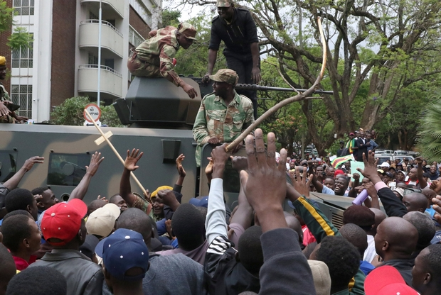 Harare crowds demand Mugabe's exit