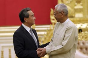 Top China diplomat talks refugee crisis with Myanmar leaders