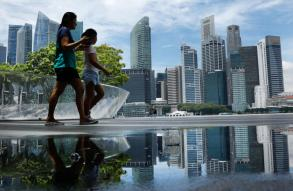 Singapore, Vietnam stocks outperform SE Asian peers