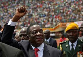 New Zimbabwe leader pledges economic revival