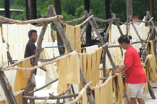 More state aid for rubber approved | Bangkok Post: news