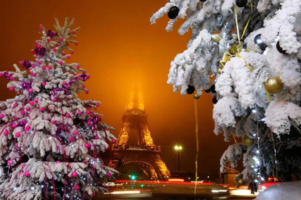 Eiffel Tower gets festive