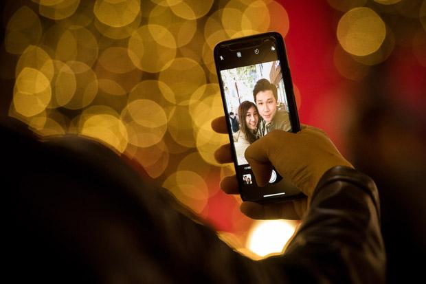 2017 in cyberspace: Phones & gadgets