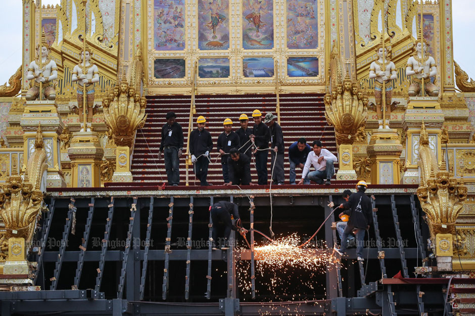 Royal crematorium's removal begins