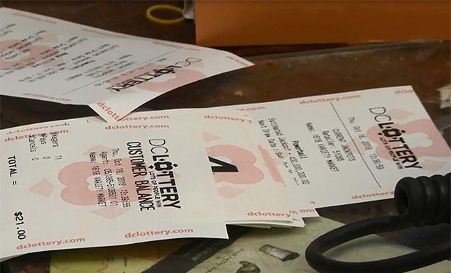 As jackpot nears $1bn, hopefuls dream big