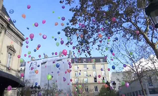 Wreath laid and balloons released on anniversary of Paris attacks