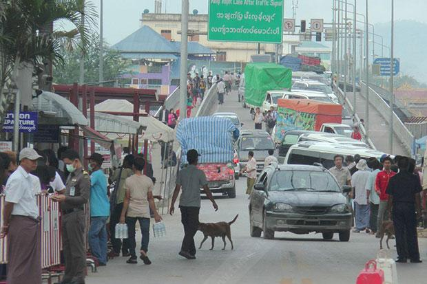 Falling farm prices, currency hit Thai-Myanmar trade | Bangkok Post: business