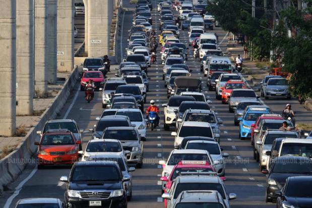 Road deaths at 375 after 6 days of NY holiday | Bangkok Post: news