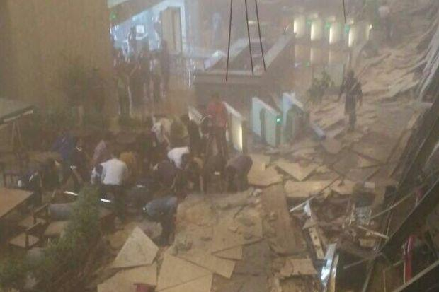 Second floor of Indonesia Stock Exchange collapses, many injured