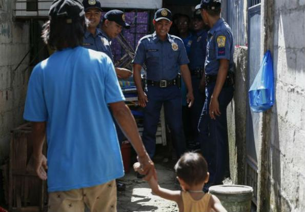 Fewer killings in Philippine drug war make US 'cautiously
