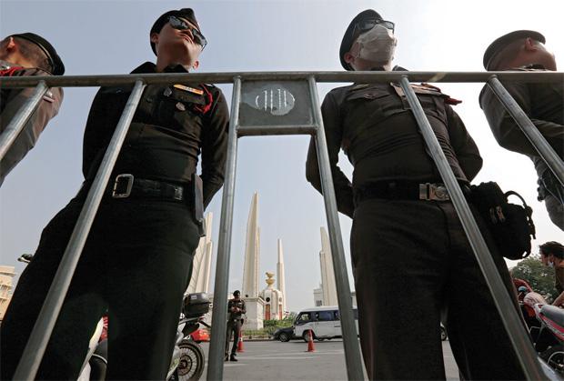 Crowd vows no letup in poll push | Bangkok Post: news