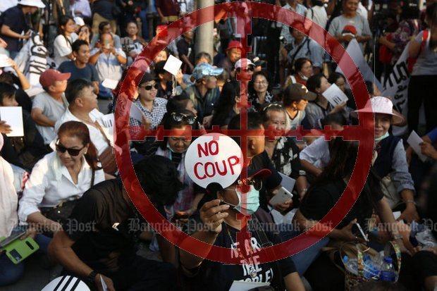 Prayut targets democracy activists