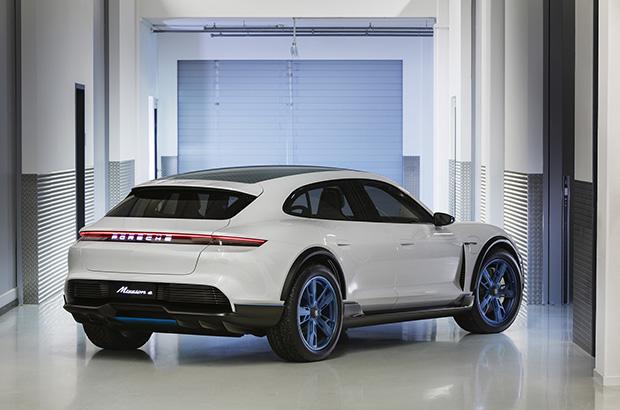 Porsche Mission E Cross Turismo could enter production by 2021