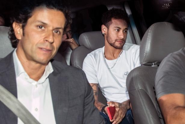 What Neymar Said To Former Barcelona Teammates Before PSG's UCL Exit