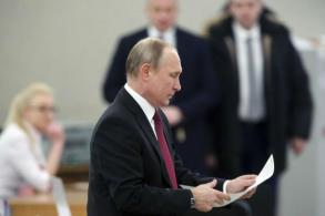 Russia votes to hand Putin 4th presidential term