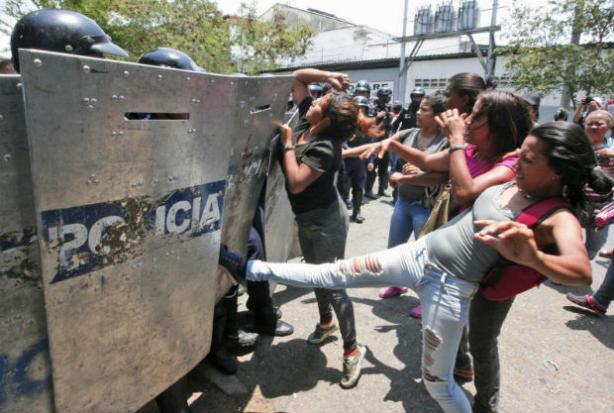 Police station fire kills at least 68 — Venezuela