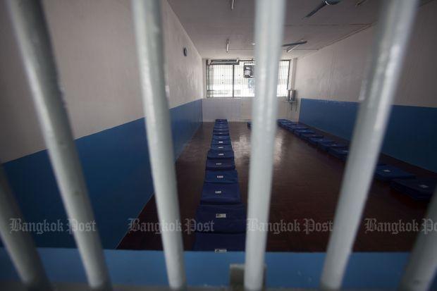 Inmate 'choked to death' | Bangkok Post: news