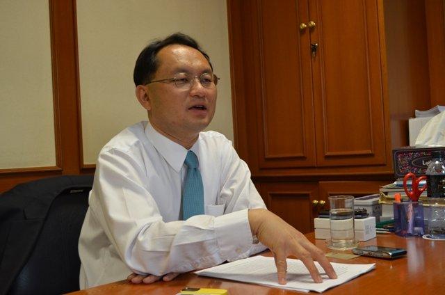 Pheu Thai insider says ex-MPs 'hunted'