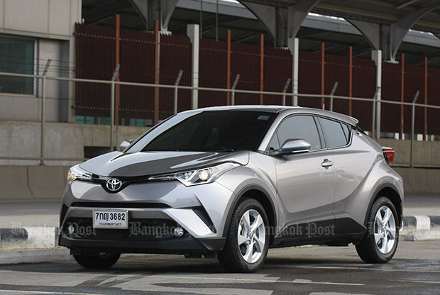 Toyota C-HR 1.8 Mid petrol (2018) review