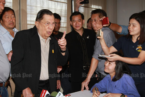 Chavalit says Thaksin wants to come home