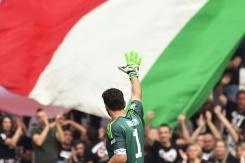 Buffon bids tearful farewell to Juventus   Bangkok Post: news