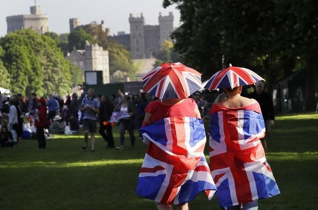 Wedding fans descend on Windsor   Bangkok Post: news