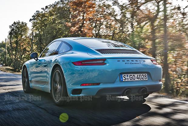 Porsche 911 Carrera T (2018) review