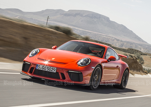 Porsche 911 GT3 facelift (2018) review