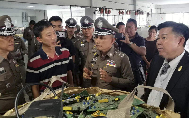 Hasil gambar untuk Thailand is new dumping ground for world's high-tech trash, police say