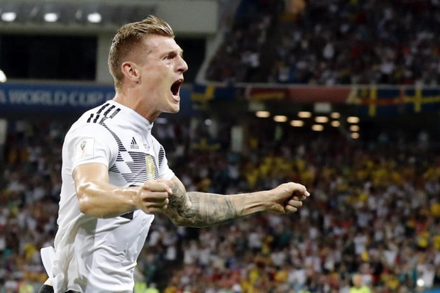 Germany 2-1 Sweden, on dramatic Kroos goal
