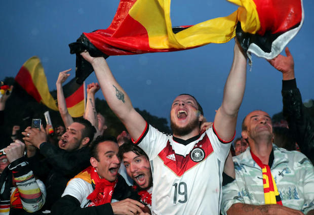 Germany rescue World Cup hopes with dramatic Kroos winner