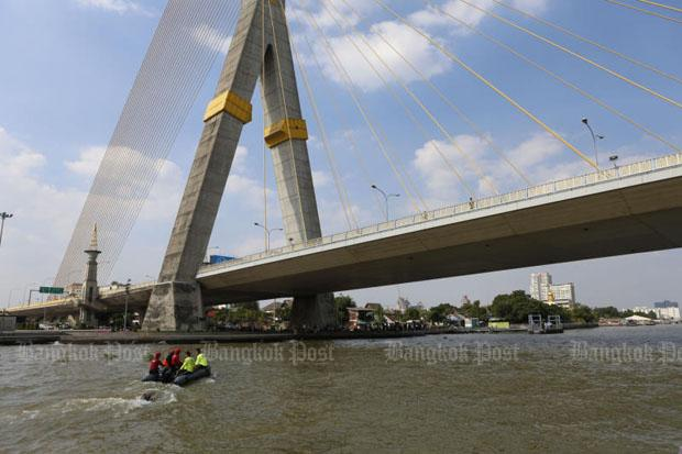 Search for male model who plunged into Chao Phraya river | Bangkok Post: news
