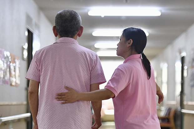 Japan to accept more caregivers from 3 SE Asian countries