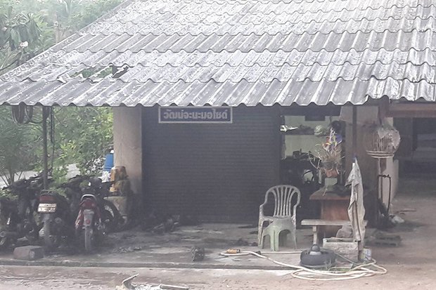 Motorcycle repair shop damaged by bomb in Songkhla