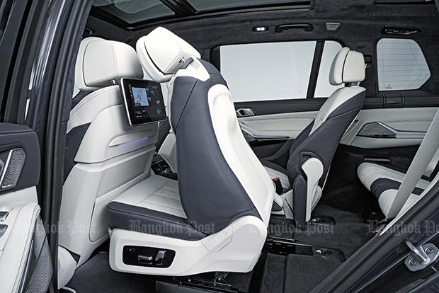 2018 BMW X7 revealed: luxury V8 goliath