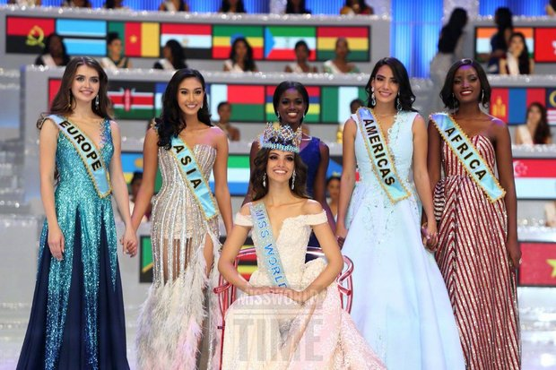 The five Miss World finalists pose with the 2017 winner Miss India