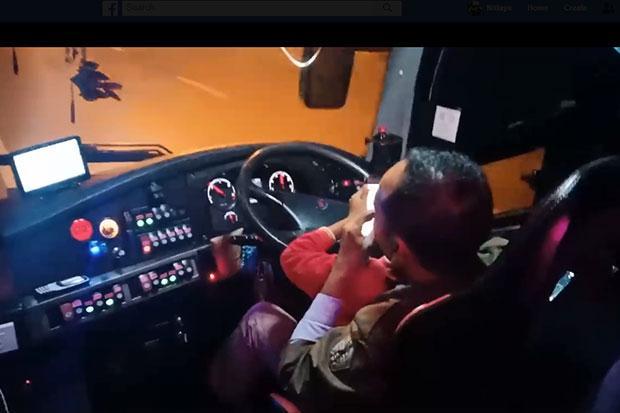 Multitasking bus driver denounced | Bangkok Post: news