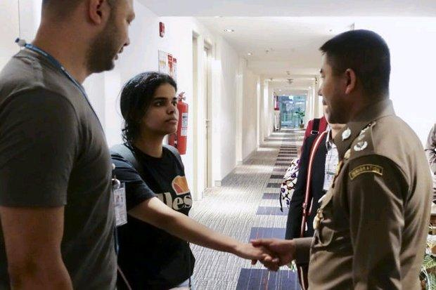Saudi teen runaway leaves for Canada | Bangkok Post: news