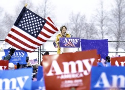 Heartland Democrat Klobuchar joins 2020 White House race | Bangkok Post: news