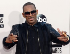 R&B star R. Kelly charged with 10 counts of sex abuse: official | Bangkok Post: news