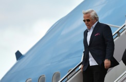 Super Bowl champs owner Kraft charged with soliciting sex | Bangkok Post: news