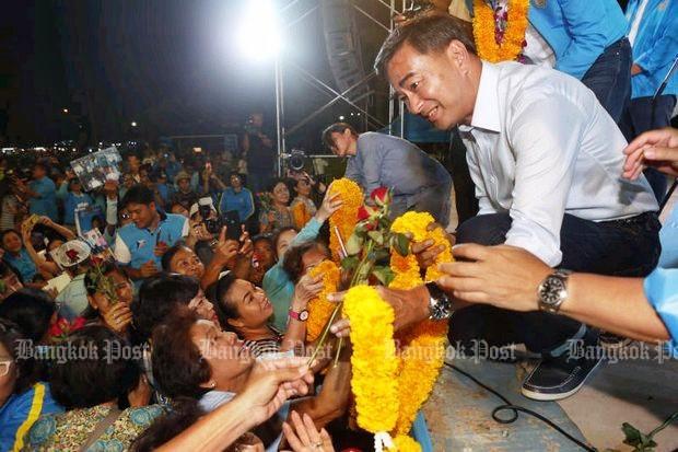 Abhisit 'won't back' Prayut return as PM