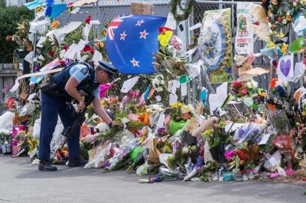 NZ prays, falls silent, a week after mosque massacres | Bangkok Post: news