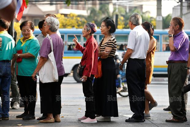 Voters fill polling stations to cast ballots | Bangkok Post: learning