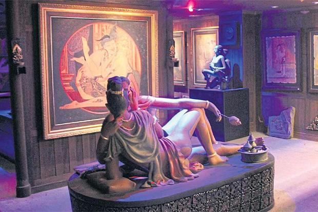 Thong Lor sex museum hangs out the green lantern | Bangkok Post: news