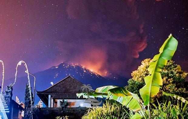 Bali volcano disrupts flights | Bangkok Post: news