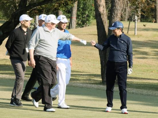 Trump, Abe to burnish ties over golf, sumo and steak | Bangkok Post: news