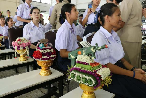Prawit puzzled as students' floral displays turn political