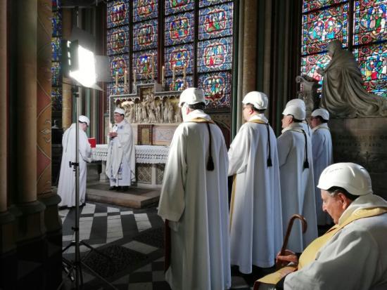 Paris's Notre-Dame holds first mass since devastating blaze   Bangkok Post: news